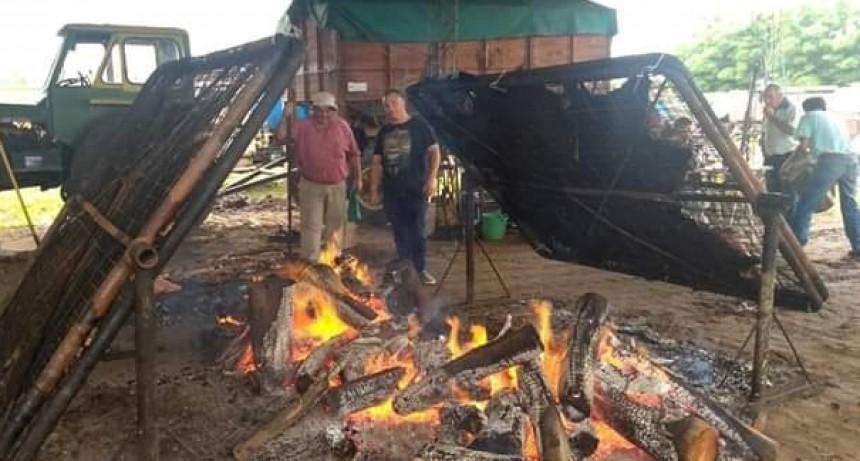 Pirovano celebró la tradición con la venta de vaquillona con cuero
