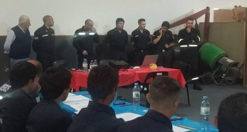 Los bomberos de la localidad participaron de una capacitación en Incendios Estructurales