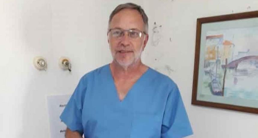 El Dr. José María Maluendez saludo a las enfermeras en su día