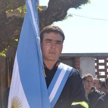 Ezequiel Corbatta fue distinguido como 'Mejor Compañero 2016' por el  Rotary Club de Bolívar