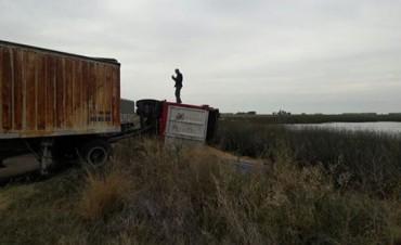 Volcó un camión en ruta provincial 65 en cercanías de Daireaux