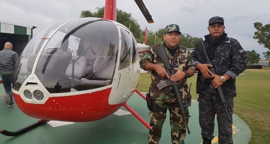Marcos Pisano facilita un helicóptero para la búsqueda de los dos prófugos