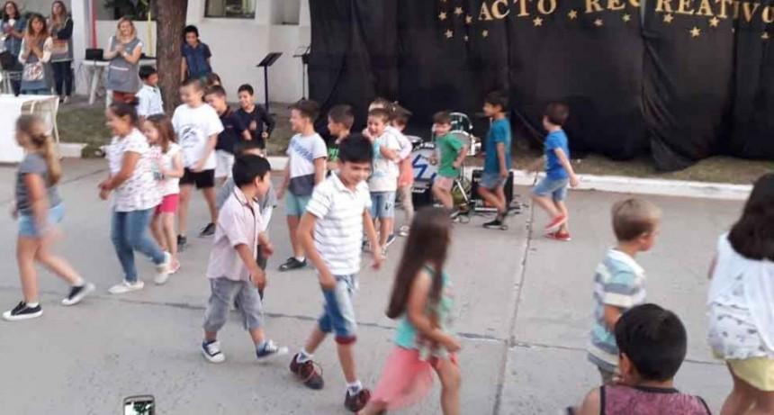 El CEC 803 cerró el ciclo lectivo con un evento recreativo callejero