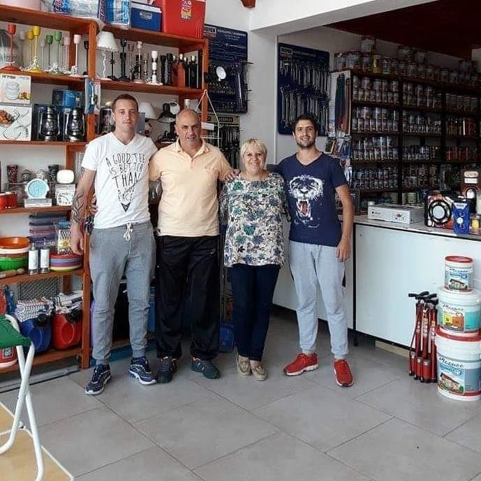 """Cumplió 9 años de actividad comercial Ferretería """"Gayito"""" en Urdampilleta"""